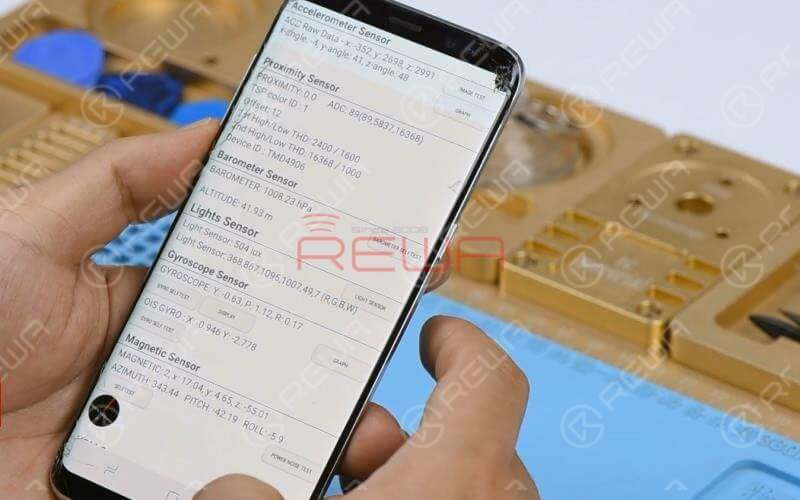 Before repairing, we can test Samsung phones by using secret codes. This can help us narrow down the fault possibility: software problem or hardware problem.  Turn on the phone and enter the dial pad. Different secret codes can perform different tests.