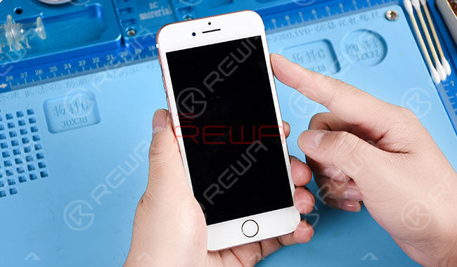 iPhone 7 Black Screen Repair - Logic Board Solution Power key power up, the phone shows no response.