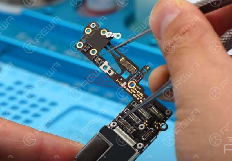 Next thing we do is to re-insert SIM card and connect the logic board with DC Power Supply. Connect Pin 2 of J0801 with negative point on logic board by tweezers to power on.