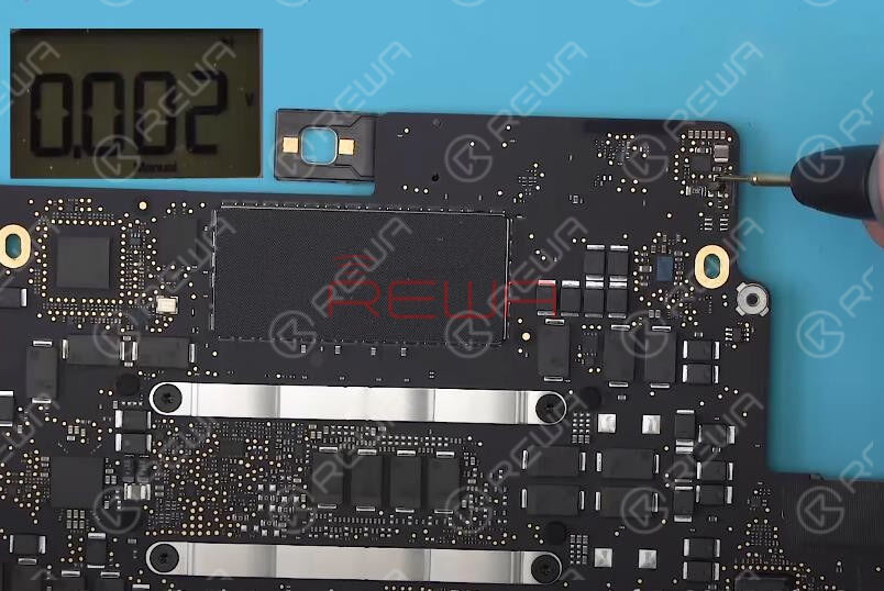 Run diode mode measurement of D6905 Pin 3.